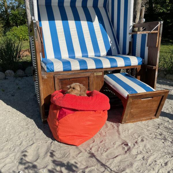 Hamburger-Hund-Kuschesack-strandkorb